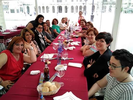 Ese primer encuentro de las congresistas en María Pita, las caras no hacen necesarias más palabras... ❤