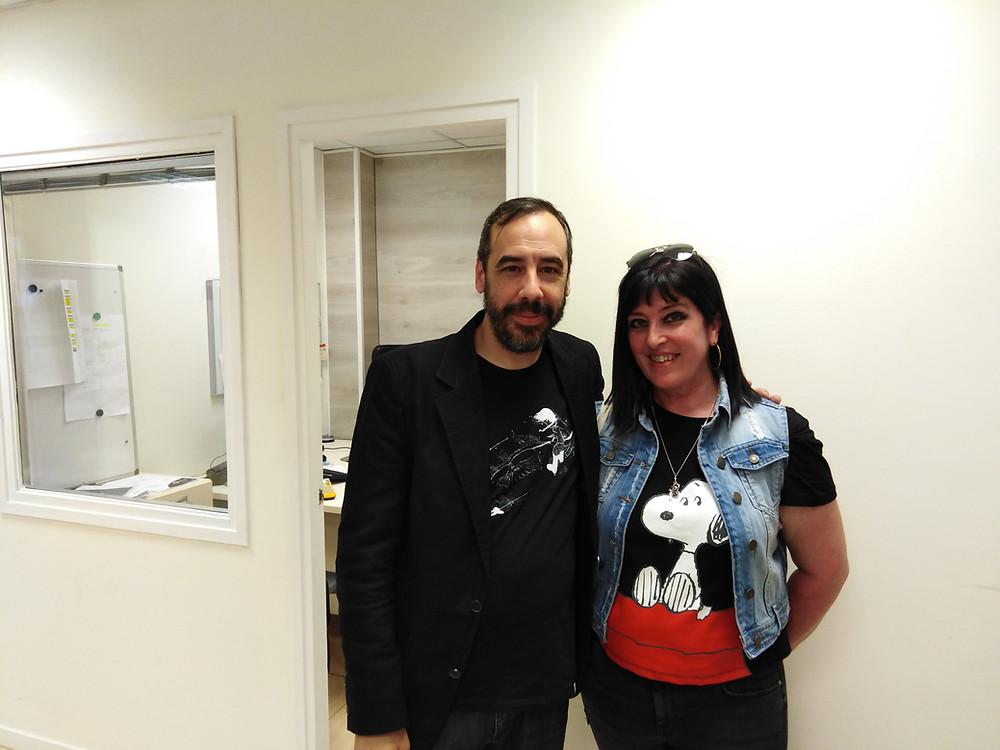 En Sant Cugat Ràdio, coincidí con un invitado de Mari Carmen de lujo. Carlos Bassas. Sentí que algo grande le esperaba y así fue. Tomamos café y charlamos un rato, es un hombre fascinante.