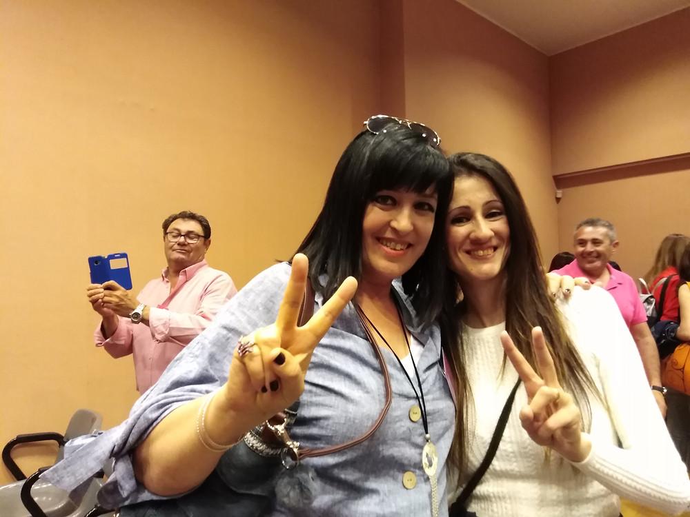 Vilanova i la Geltrú power! ⬇️⬇️✌️✌️Me encantó coincidir con Patricia P. GuerolaAutora, dos escritoras vilanovines en Fuengirola, ¡tela!🎉 #FuRom 17/05/19 #FuRom #unafingal #fuengirola