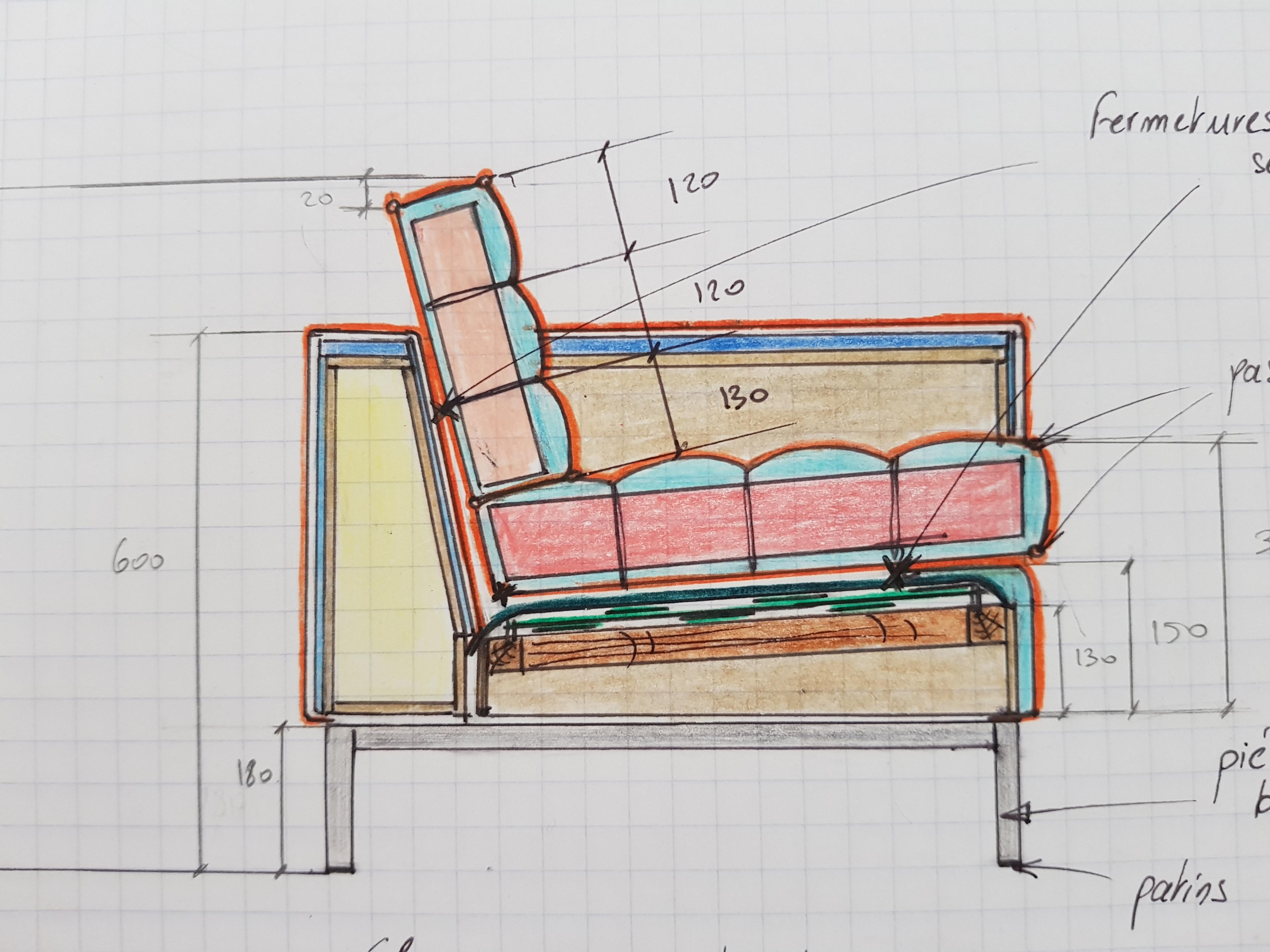 Vue de coupe intérieur fauteuil carré