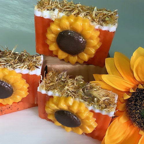 Sunflower and Poppy Seed Melt and Pour Soap