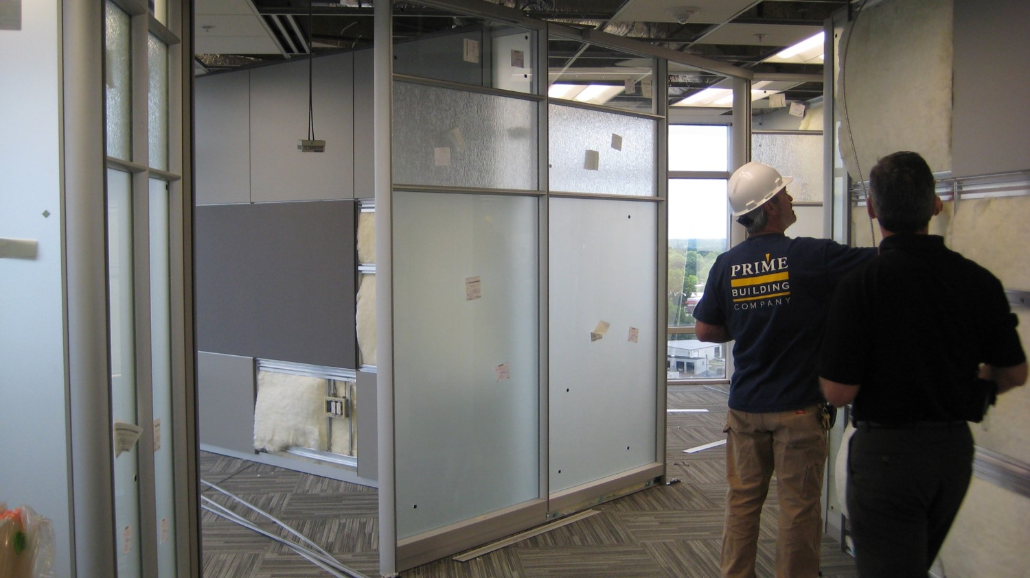 DIRTT Installation - Glazing