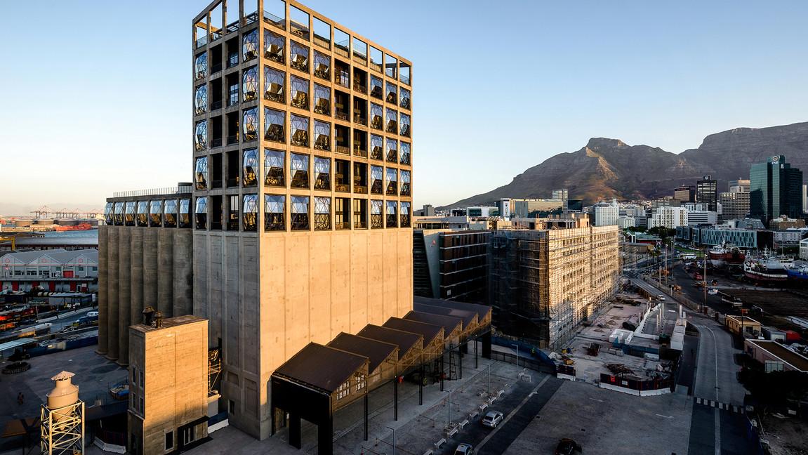 the-silo-hotel-zeitz-mocaa-grain-silo-pg