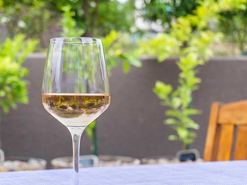 wine-glass-horz.jpeg