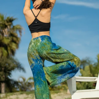 SHOP YOGA PANTS