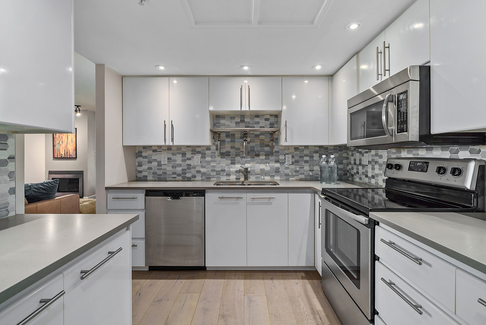 Vancouver Real Estate Photographer and Video