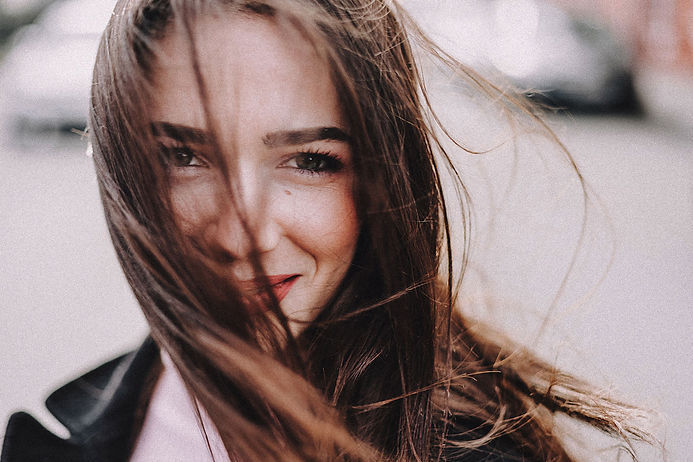380 Apiceuticals beauty smiling-woman-in