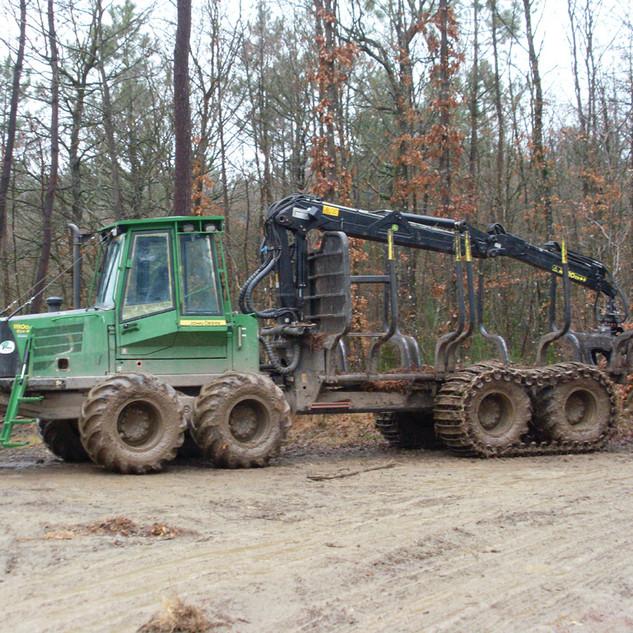 Porteur forestier 1110D 01.jpg