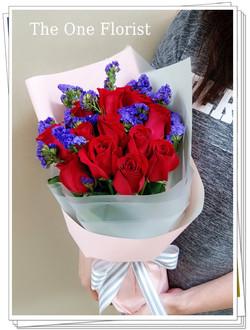 12枝玫瑰小花束 花店訂花(BQ-106)
