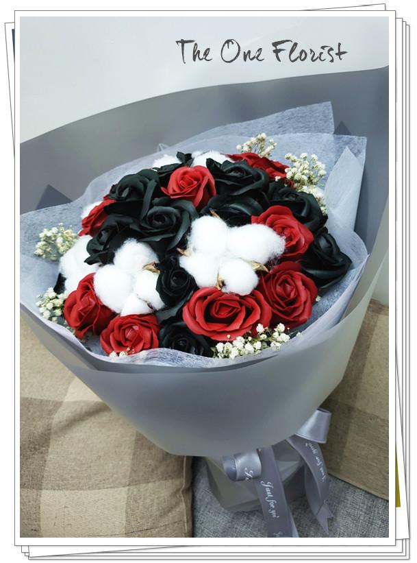(K06)香皂花-黑紅玫瑰花束
