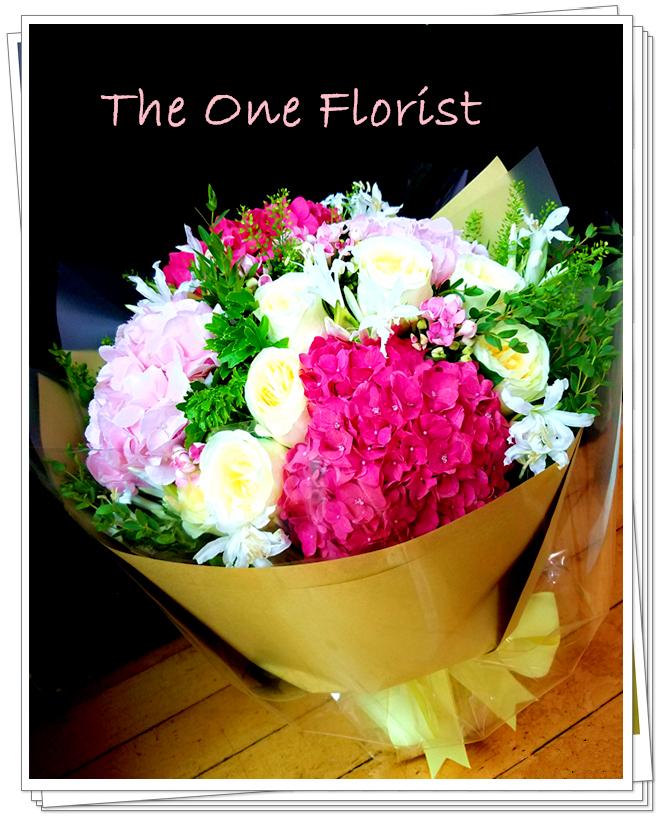 荷蘭繡球玫瑰花束 花店訂花(BQ-102)