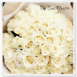 99枝奶白玫瑰花束 BQ-148