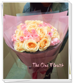 52枝雙色玫瑰花束 (BQ-137)