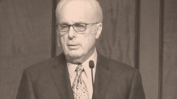 John MacArthur Exposes the Cult within Evangelicalism