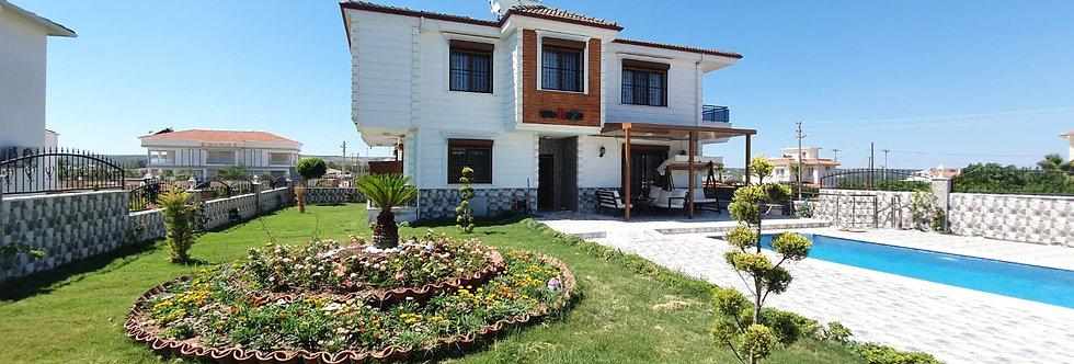 Satılık Didim Yeşiltepe'de 5+1 Havuzlu Villa
