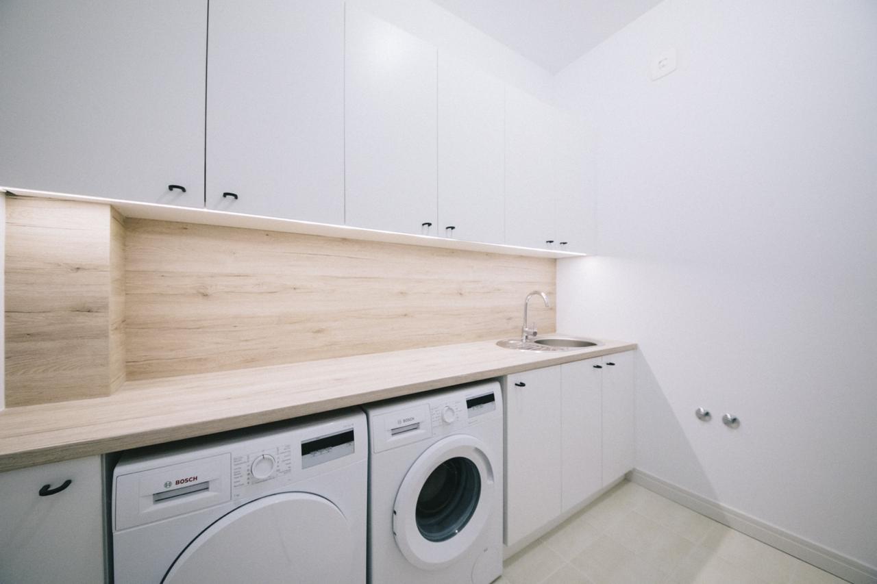 19 - Laundry room.jpg