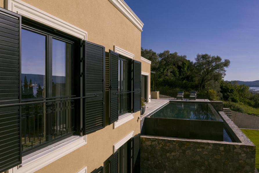 22 - Facade and pool.jpg