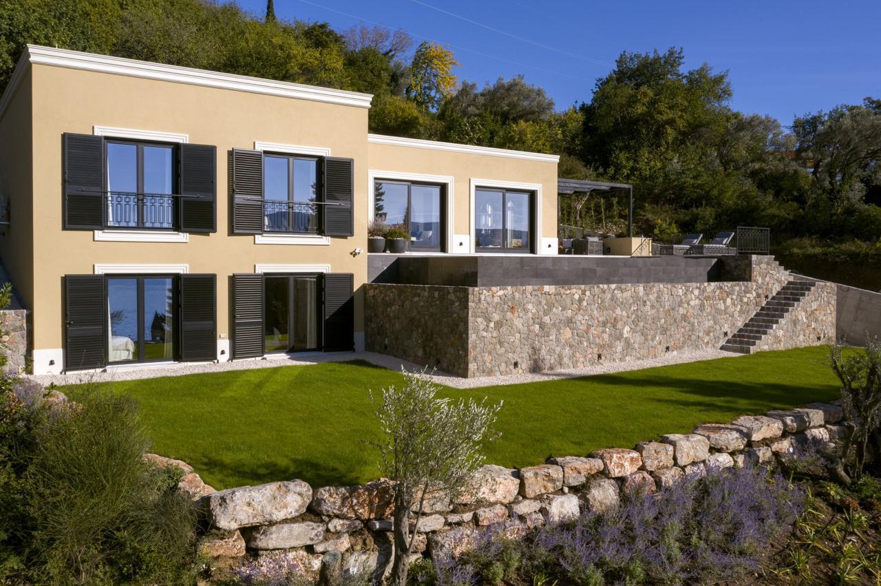 1 - House and garden.jpg