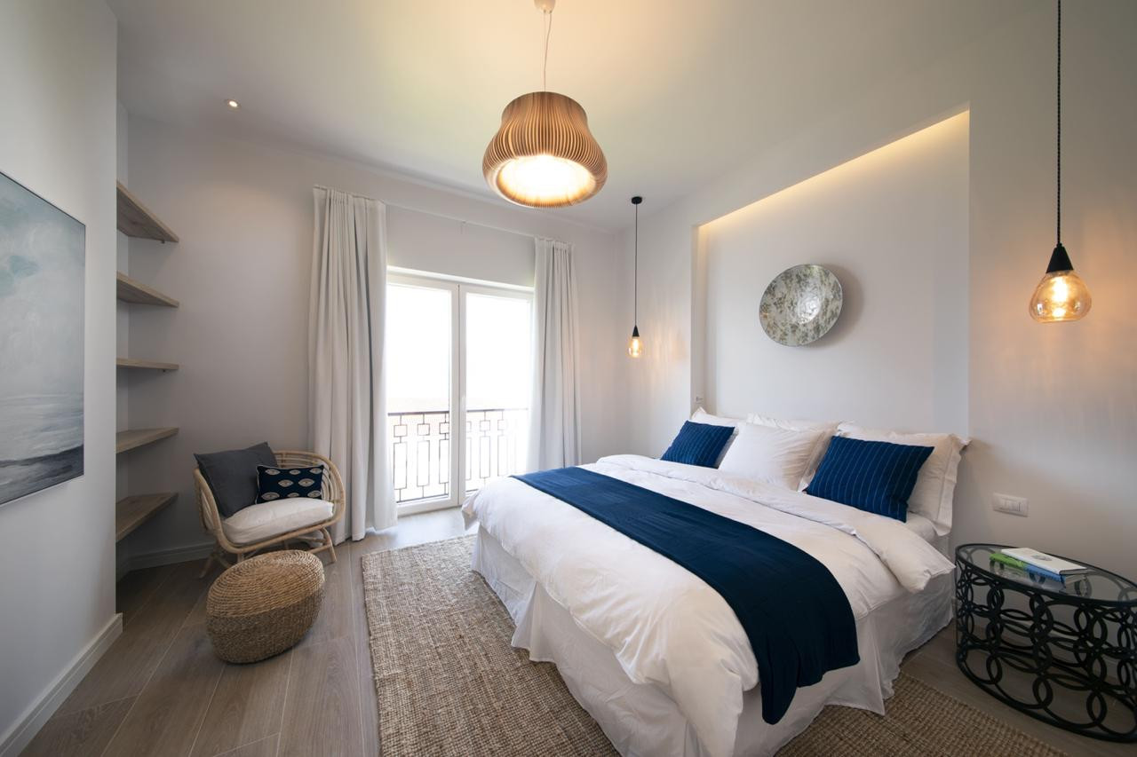 12 - Bedroom.jpg