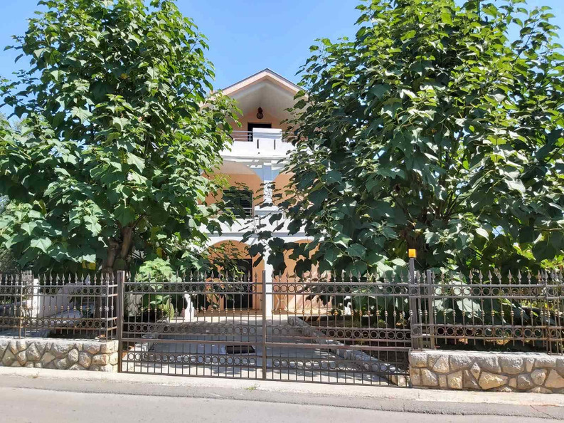Villa Krašići 1.jpg