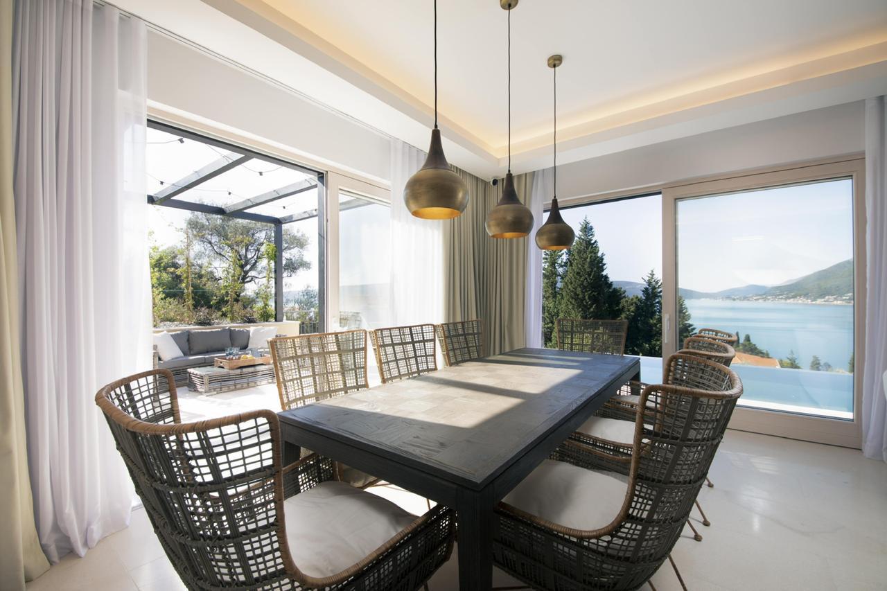 4 - Dining room.jpg