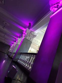 Декоративная подсветка в каменке. #прокатзвукасвета #звукисервис #uplighting #арендасвета