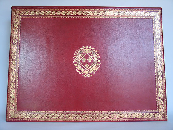 Desk pad with flap in country goat leather.