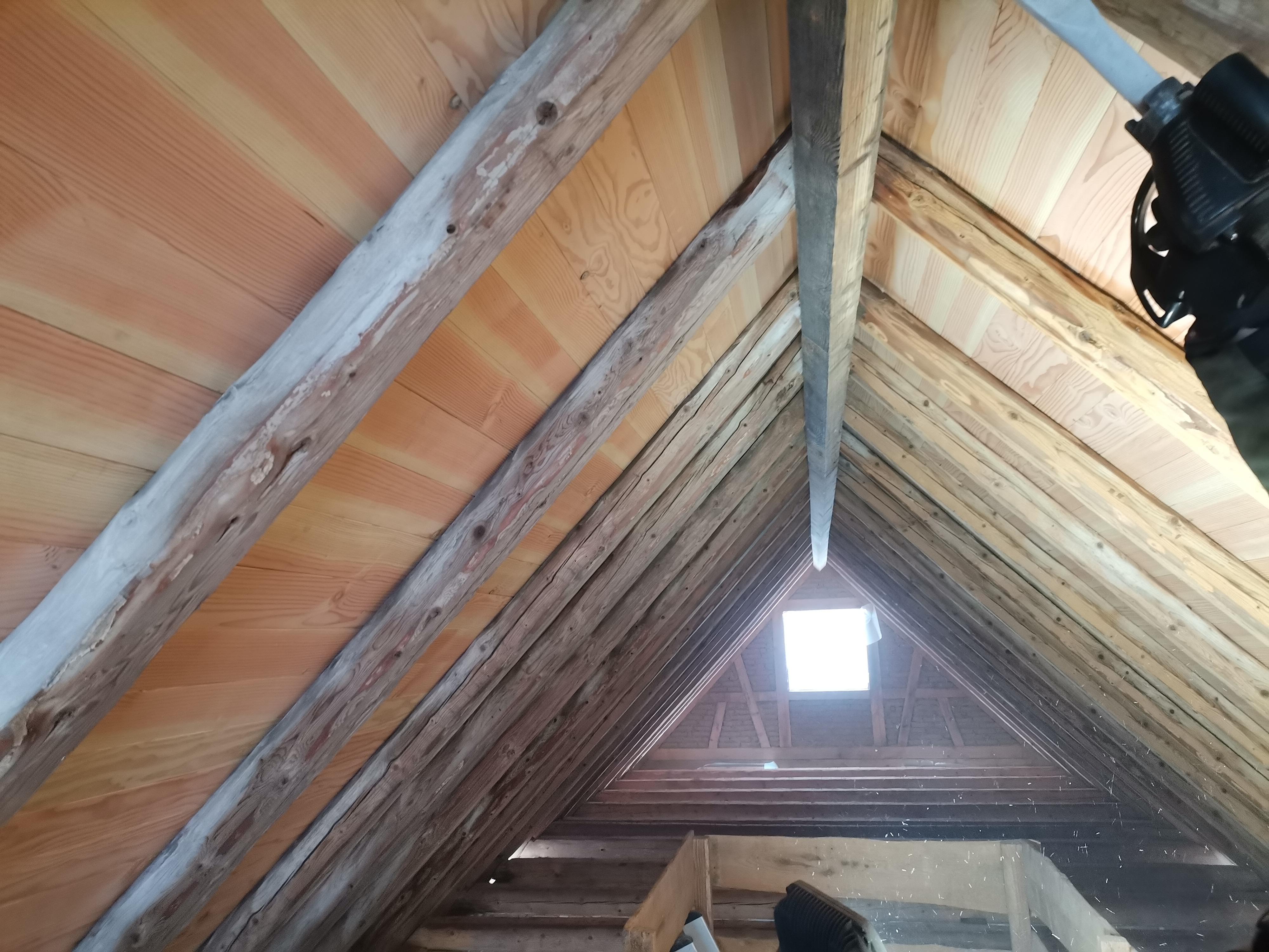 Beginn im Dachstuhl