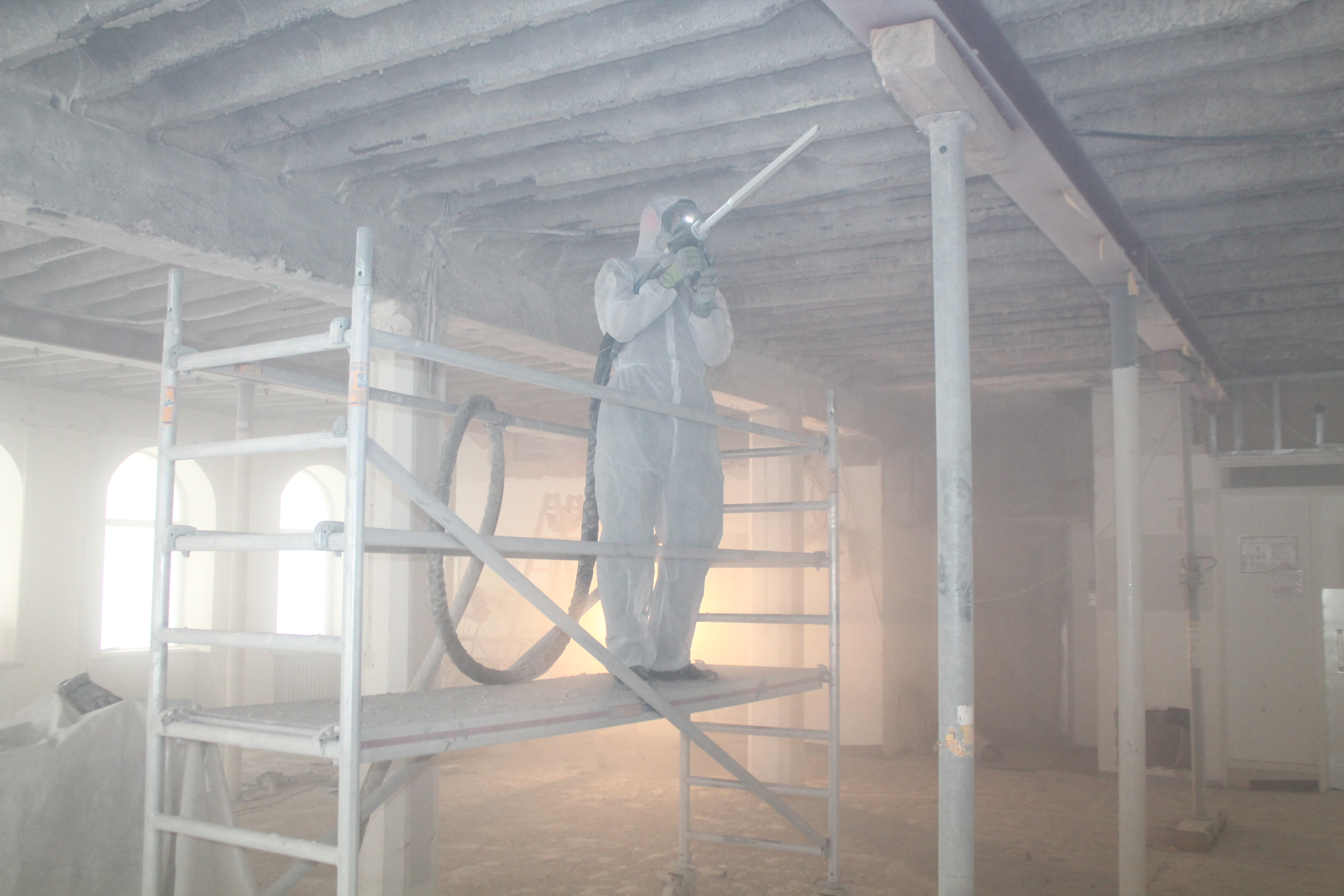 Ein Strahltechniker bei der Arbeit.