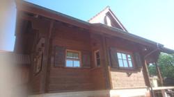 Südansicht des Holzhauses vor der Bearbeitung