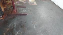 Stark verschmutzter Industrieboden