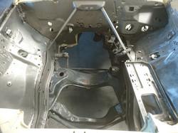 Entlackter Motorraum