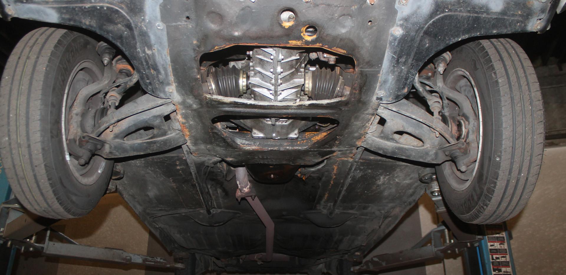 Renault R16 Unterbodenansicht