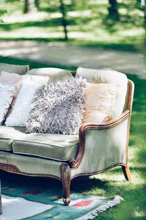 Zielona sofa chillout