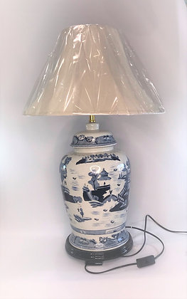 Blue Willow Pattern Lamp