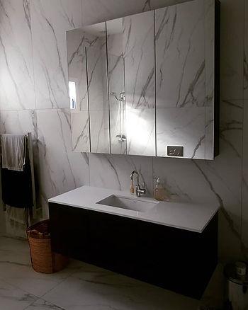 New vanity #vanity  #design #furniture #bathroom #mirror #cabworkshop