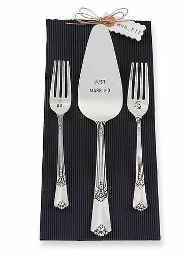 Mud Pie Wedding Cake Just Married Server Set (Set of 3)