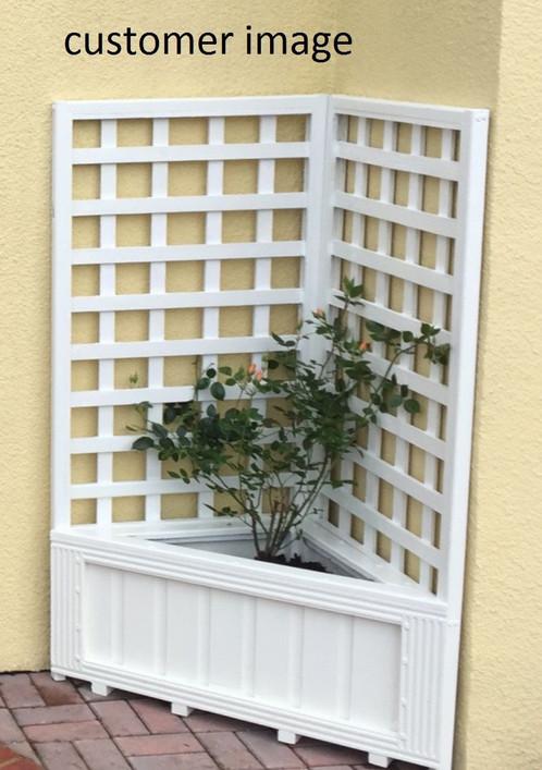 Planter Corner Style With Trellis