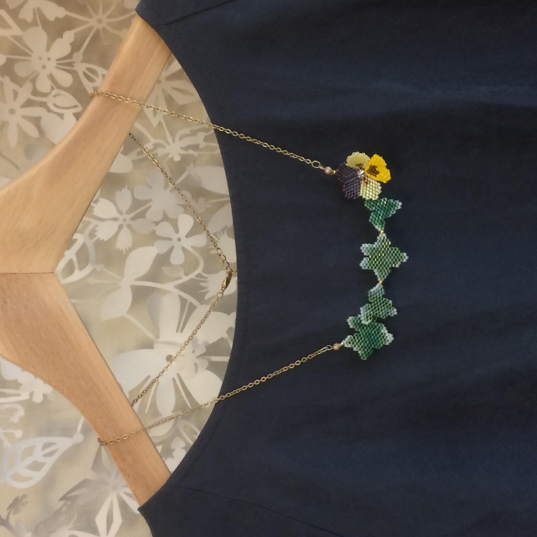 ビオラとアイビーのネックレス