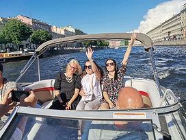 Gita in barca sul fiume e sui canali di San Pietroburgo