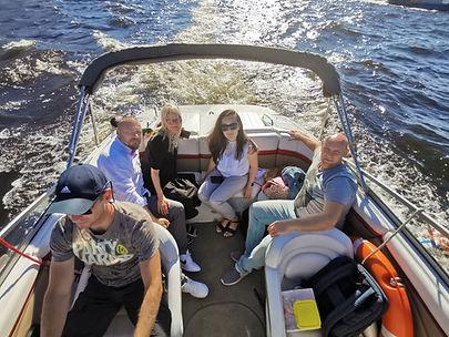 Promenade en bateau sur le fleuve et les canaux de Saint-Pétersbourg