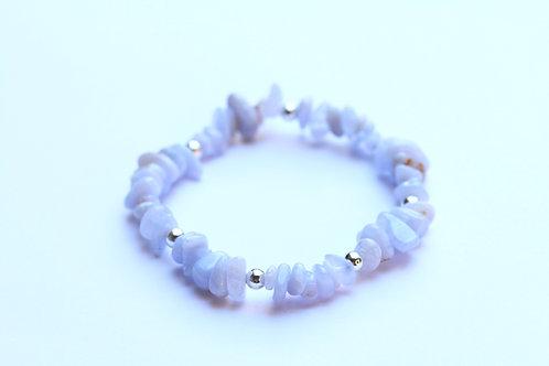 Chalcedoon / Blue lace agaat en verzilverd hematiet armband