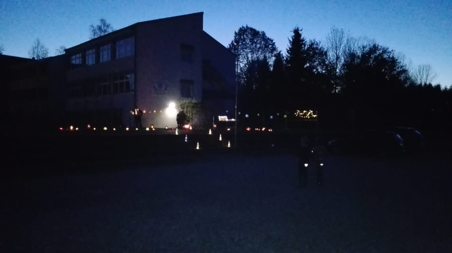 Laternenaktion Schule.JPG
