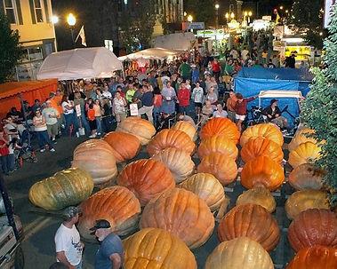 Barnesville Pumpkin Fest street.JPG
