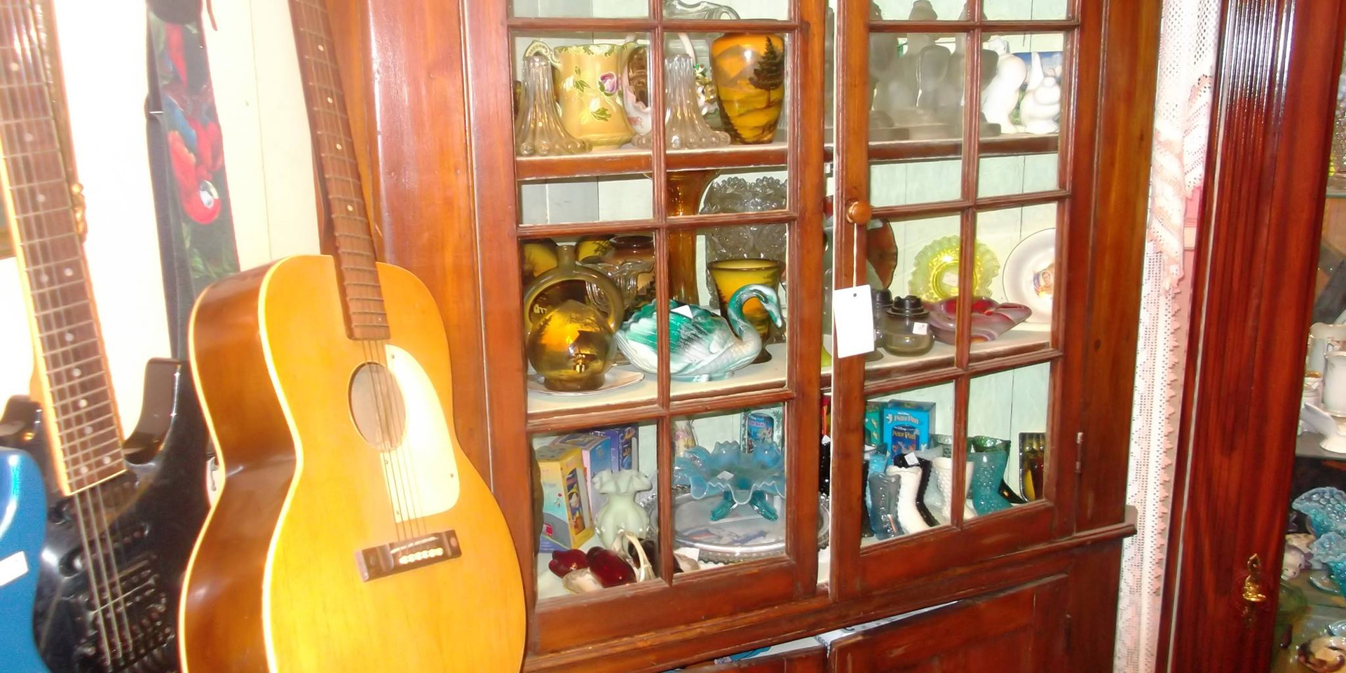 Brookside Antiques & Collectables