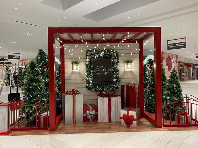Holiday Mall Decor Installation