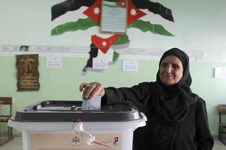 Cristianos y  musulmanes juntos en las históricas elecciones en el Reino de Jordania