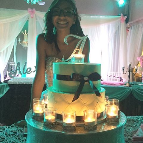 The beautiful birthday girl with her sweet 16 cake! #goldiesgoodiesbakery #tampa #orlando  #bakery #