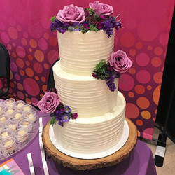 Loving the rich hues of the fresh florals from our display cake from yesterday! ._._._._._._