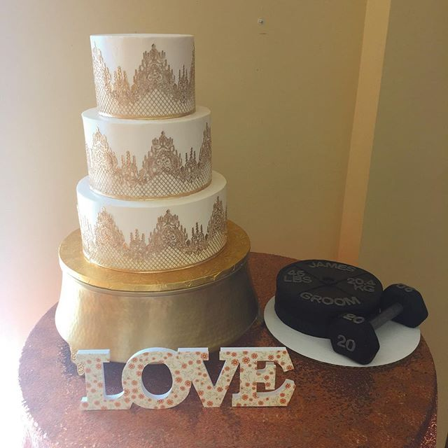 Wedding cake and grooms cake before their arrival at the beautiful _thelangefarm yesterday